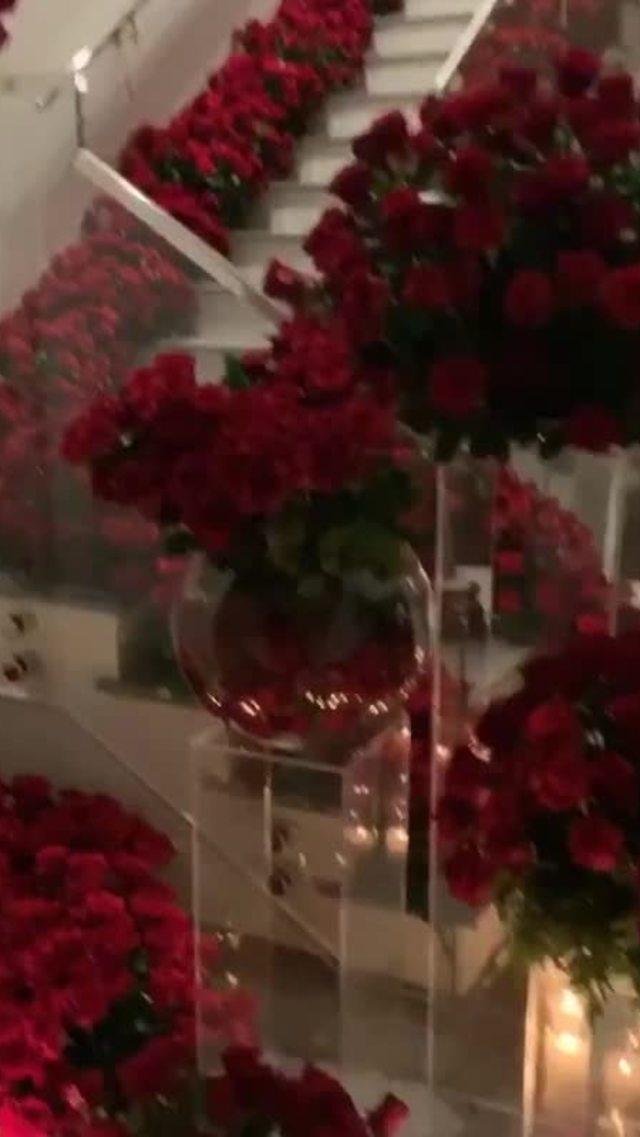 Kylie Jenner phát tán tin đồn đính hôn