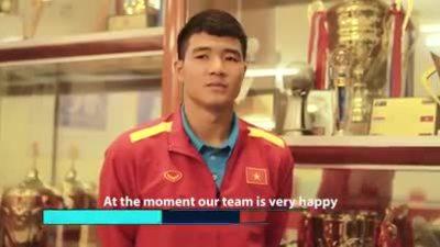 Đức Chinh trả lời phỏng vấn trước trận gặp Philippines