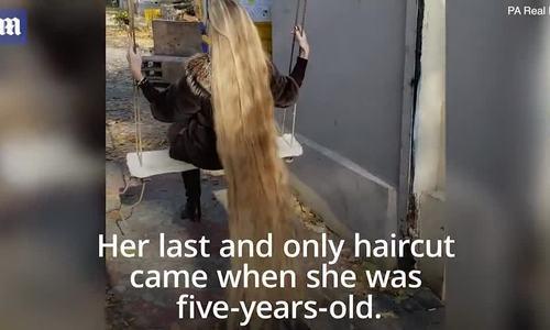 'Công chúa Rapunzel đời thực' 28 năm không cắt tóc
