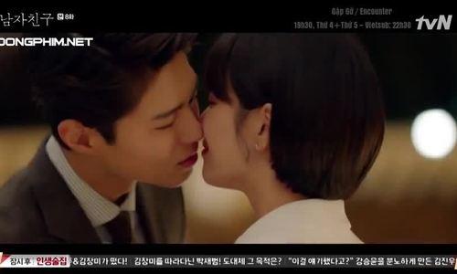 Song Hye Kyo hôn Park Bo Gum