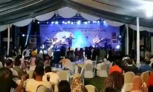 Ban nhạc bị sóng thần Indonesia nhấn chìm khi đang biểu diễn