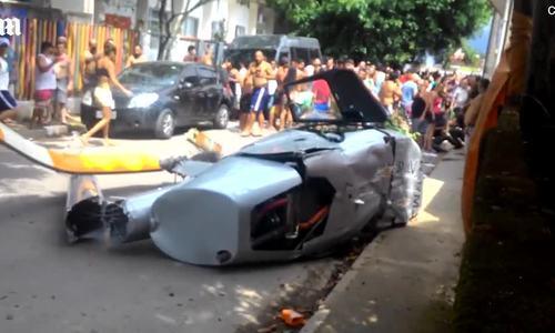 Người đàn ông bị trực thăng đè chết khi đang đi bộ trên phố