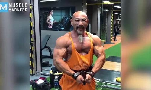 Người đàn ông gốc Việt được mệnh danh là Cụ rùa Roshi