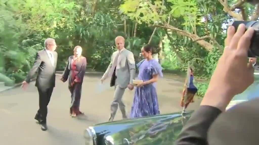 Meghan mặc đầm Carolina Herrera khi diện kiến Vua Mohammed VI của Morocco