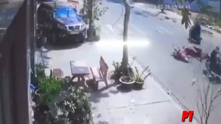 Cô gái bị thương nặng vì cướp giật túi xách