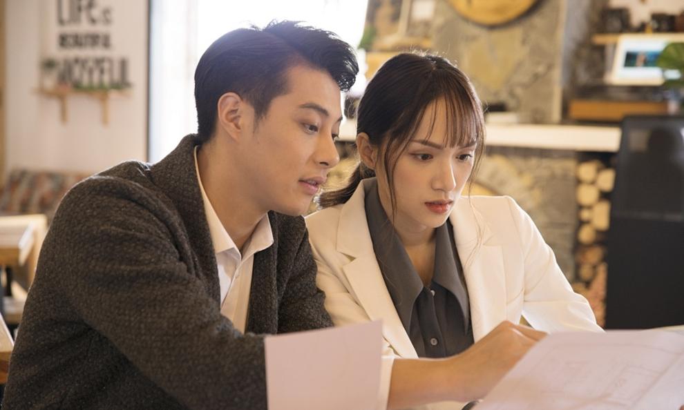 MV 'Anh đang ở đâu đấy anh' - Hương Giang