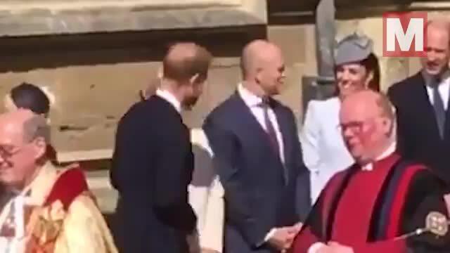 Harry đi một mình, không nói chuyện với William trong sự kiện mừng lễ Phục sinh