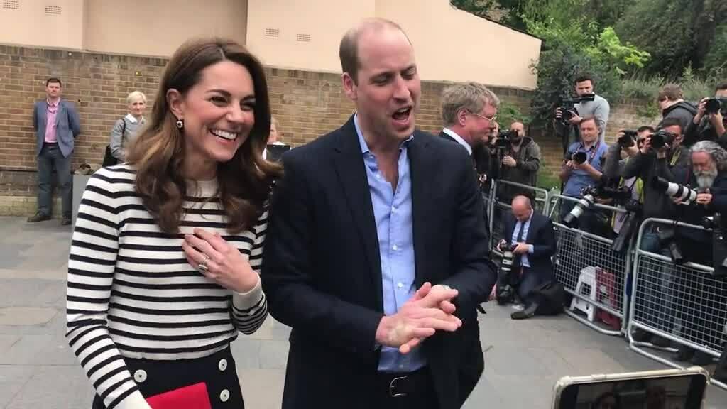 William chúc mừng vợ chồng em trai gia nhập hội 'bỉm sữa thiếu ngủ'