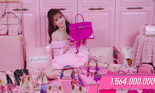 Ngọc Trinh chi hơn 7 tỷ đồng mua loạt hàng hiệu màu hồng