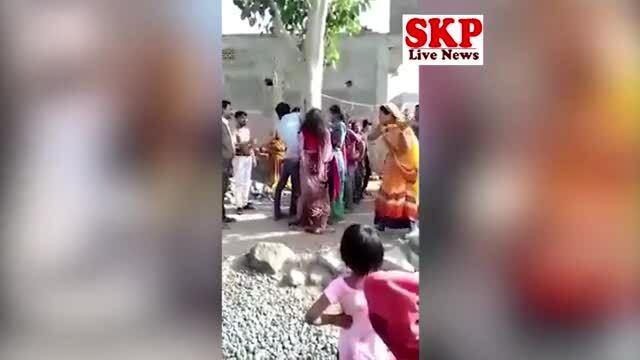 Bị trói, đánh và quấy rối vì giúp họ hàng bỏ trốn với phụ nữ có chồng