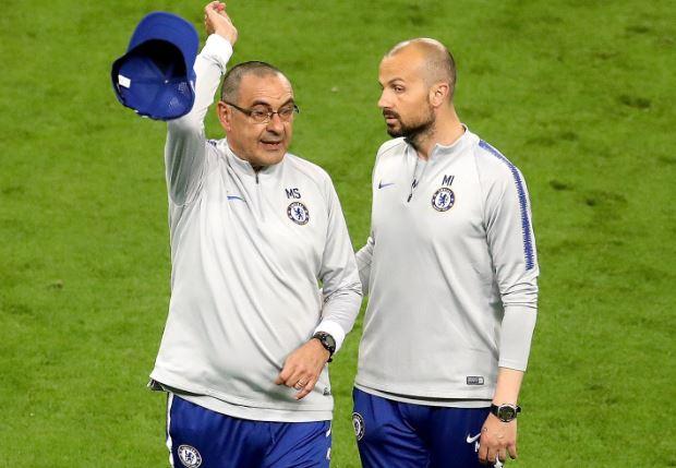 HLV Chelsea ném mũ, bỏ tập trước chung kết Europa League