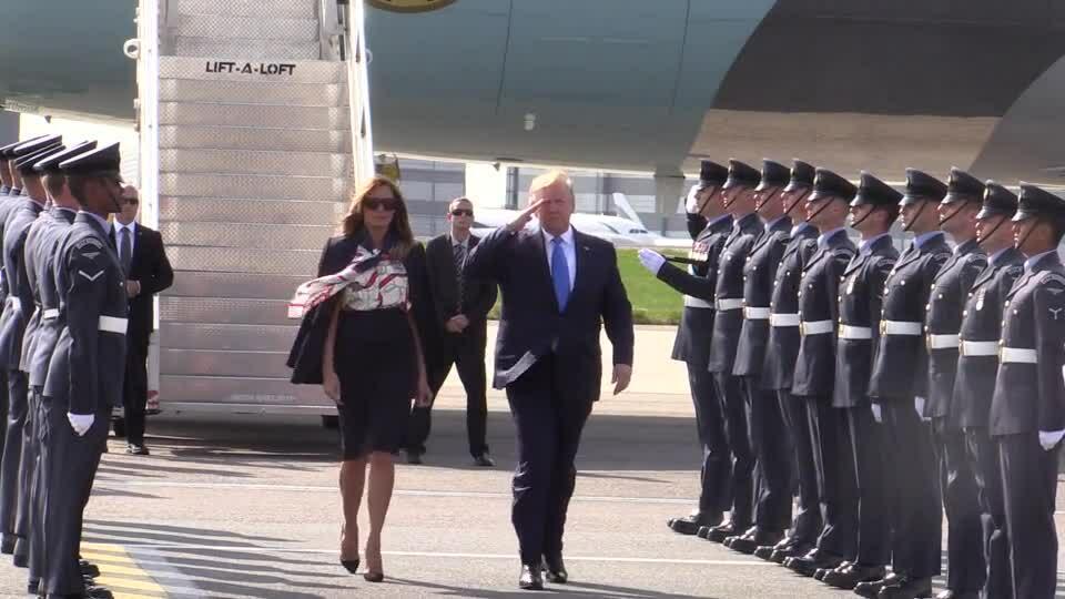 Melania Trump lên trực thăng
