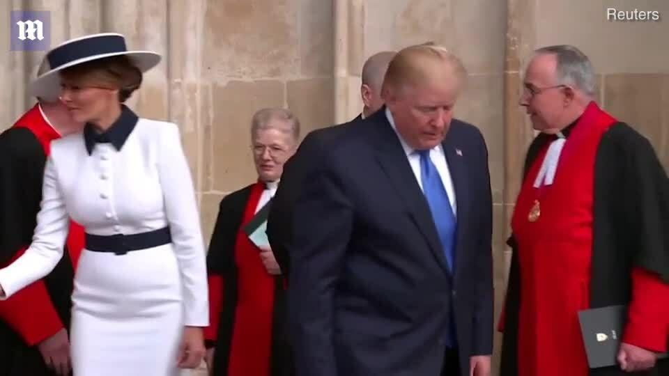 Melania Trump mặc đồ gợi nhớ tới Công nương Diana