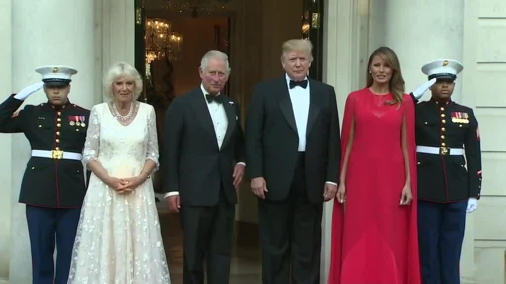 Vợ chồng Trump đón vợ chồng Thái tử Anh ở Winfield House