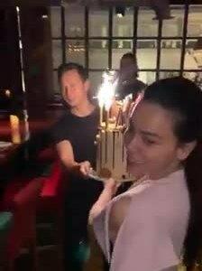 Hà Hồ cùng bạn trai Kim Lý tổ chức sinh nhật cho con trai