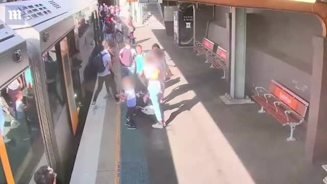 Bé trai 4 tuổi rơi xuống đường ray vì bước hụt lên tàu
