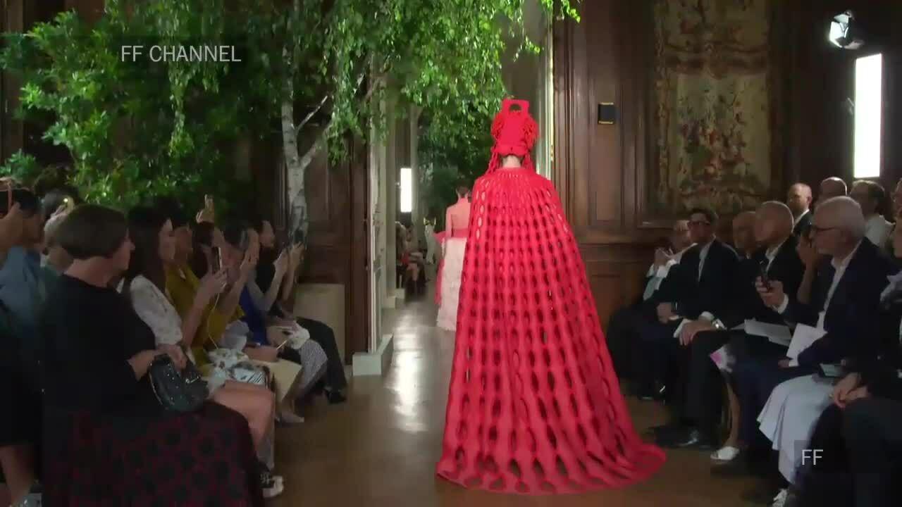 Trích đoạn show Valentino Couture Thu 2019