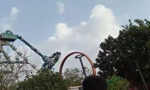 Gãy đu quay ở công viên giải trí Ấn Độ, hàng chục người thương vong