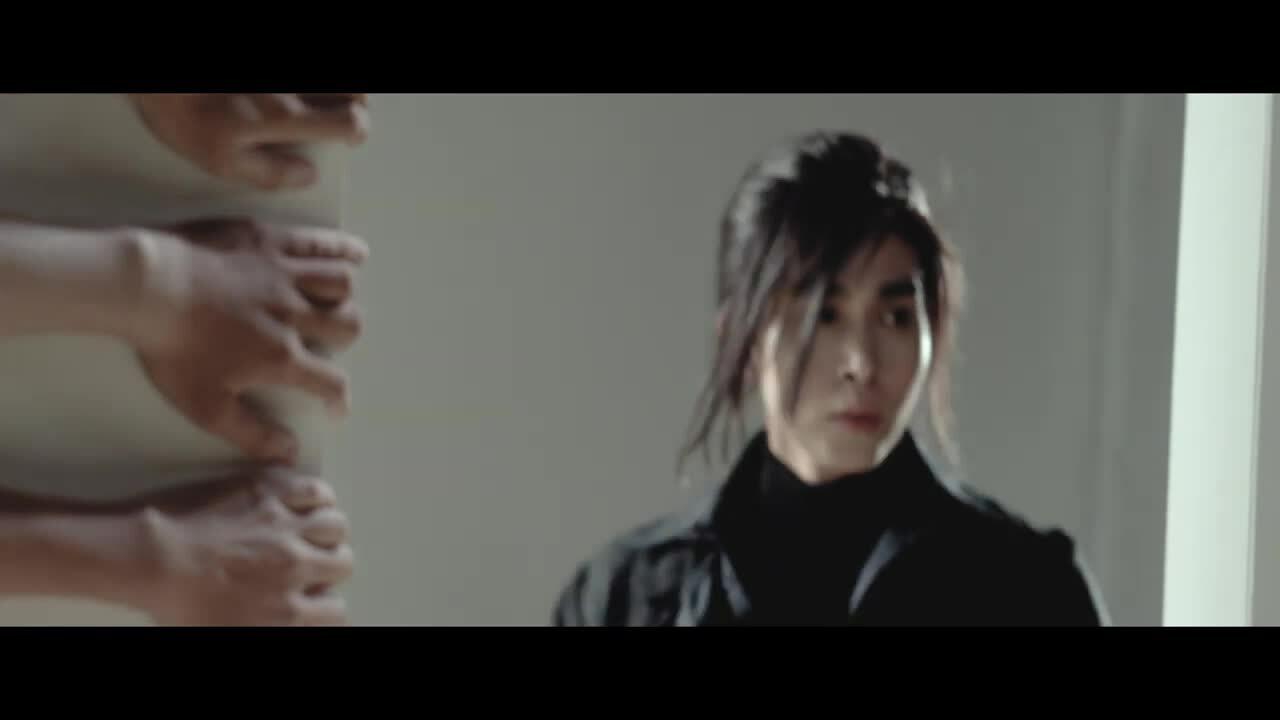 Teaser MV 'Hai bàn tay' của Jun Phạm