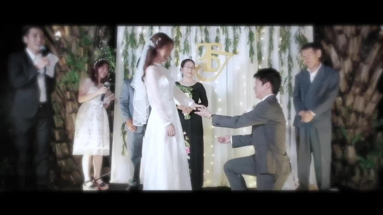 Cô dâu dành 3 tháng tự may váy, làm thiệp cưới