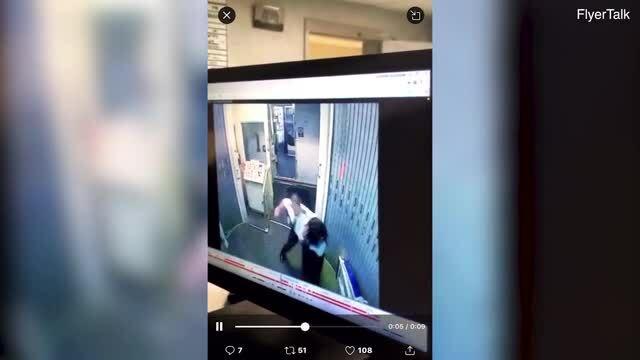 Phi công đánh nữ đồng nghiệp trước cửa máy bay
