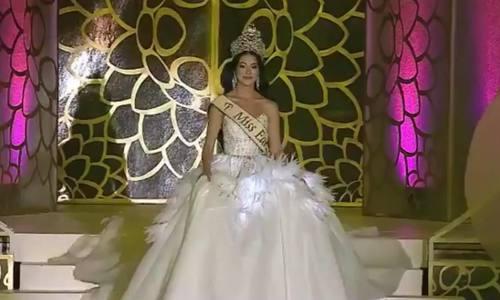 Phương Khánh trao lại vương miện Hoa hậu Trái đất