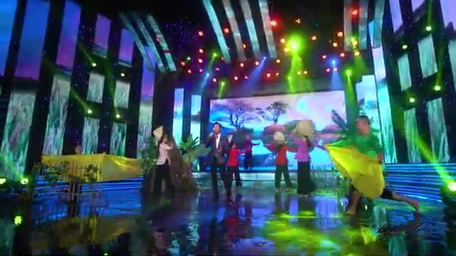 Ngọc Châu hát ca khúc 'Mưa trên quê hương'
