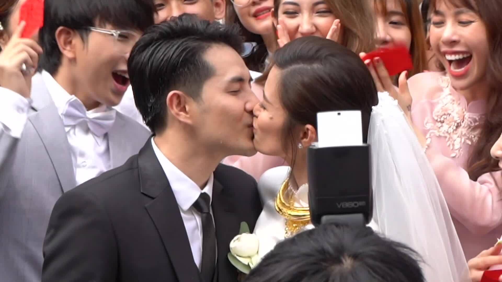 Những khoảnh khắc trong lễ rước dâu của Đông Nhi
