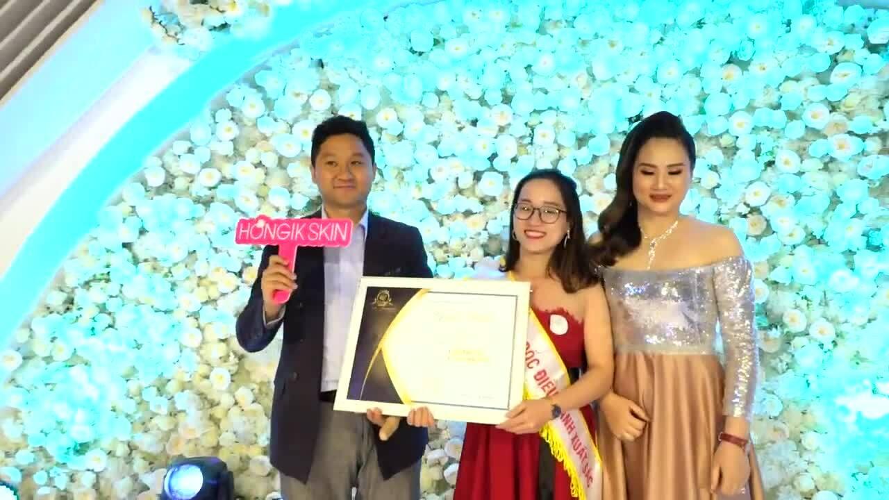Khánh Linh An tôn vinh nhân viên xuất sắc