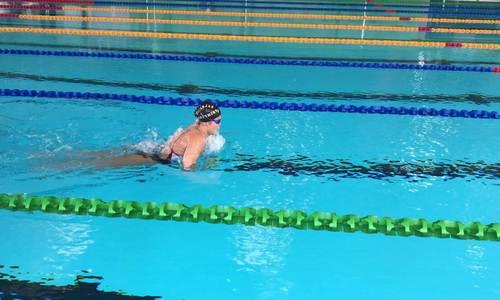 Ánh Viên tập luyện buổi đầu ở SEA Games 30