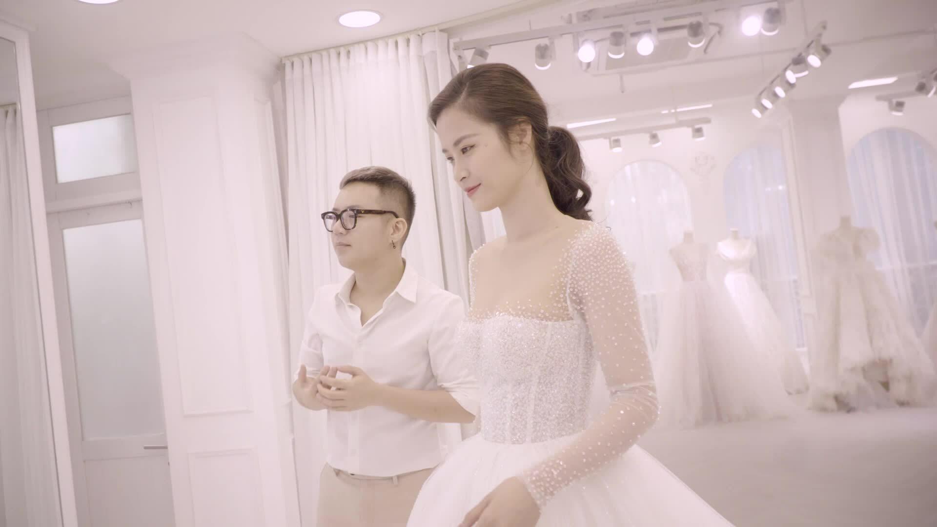 Đội ngũ Chung Thanh Phong đứng sau hôn lễ của Đông NhiLead