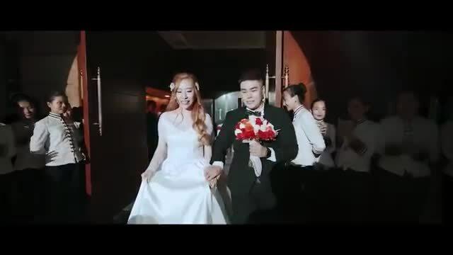 Nhạc sĩ Nguyễn Đình Vũ hát tặng cô dâu trong ngày cưới
