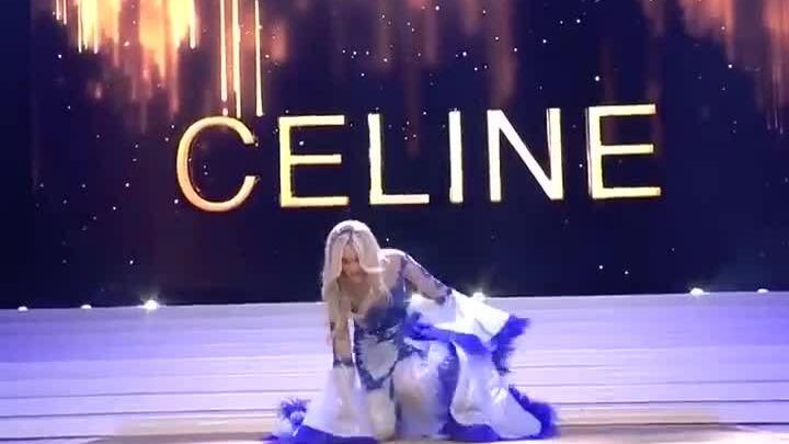 Hoa hậu Bỉ ngã, văng nội y trên sân khấu