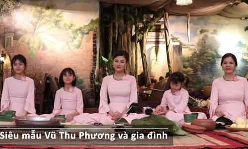 Vũ Thu Phương dạy 4 con gái gói bánh chưng (2)