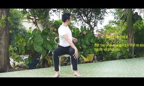 Nguyễn Phi Hùng hướng dẫn bài yoga giảm mỏi vai gáy