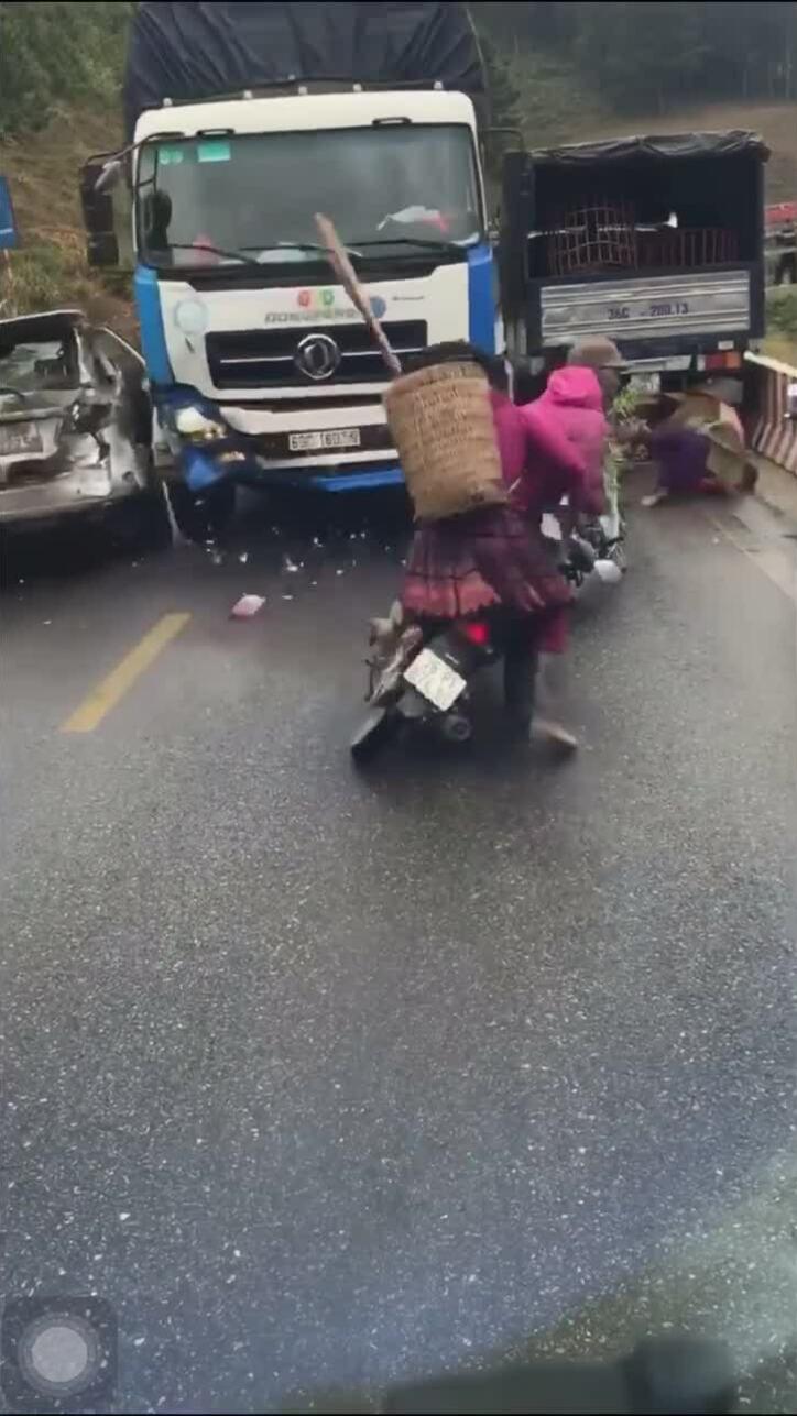 Tai nạn liên hoàn ở Sơn La