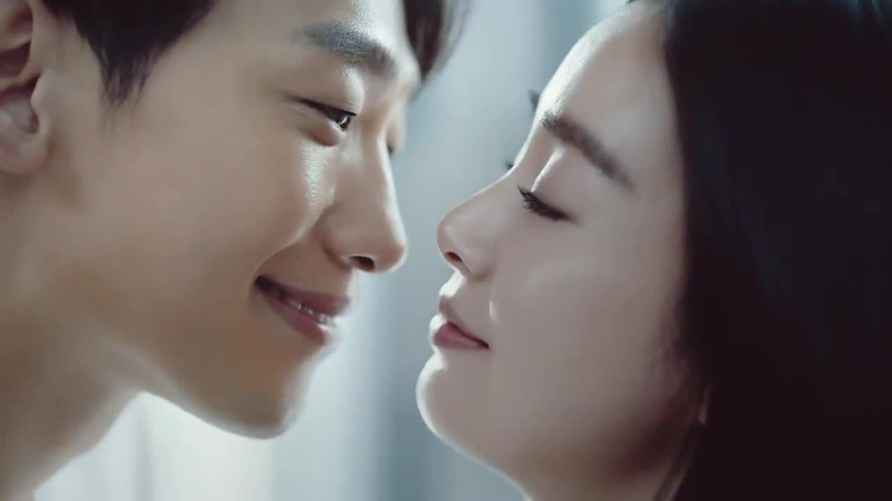 Vợ chồng Kim Tae Hee tình tứ đóng quảng cáo