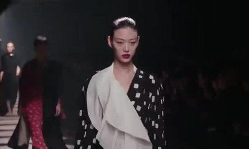 2 ngôi sao của Paris Fashion Week