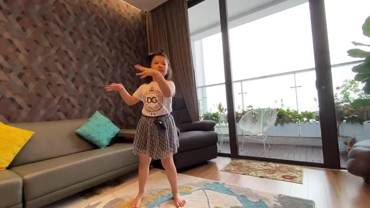 Jennifer Phạm chăm nấu nướngmùa dịch