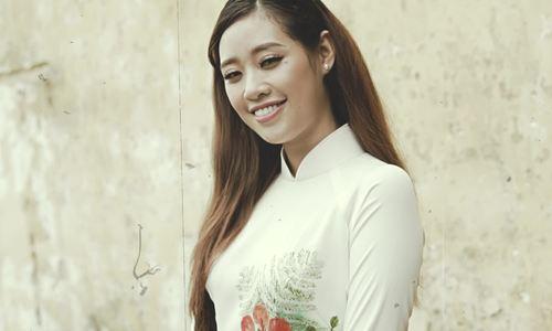 Khánh Vân trở lại thời áo trắng