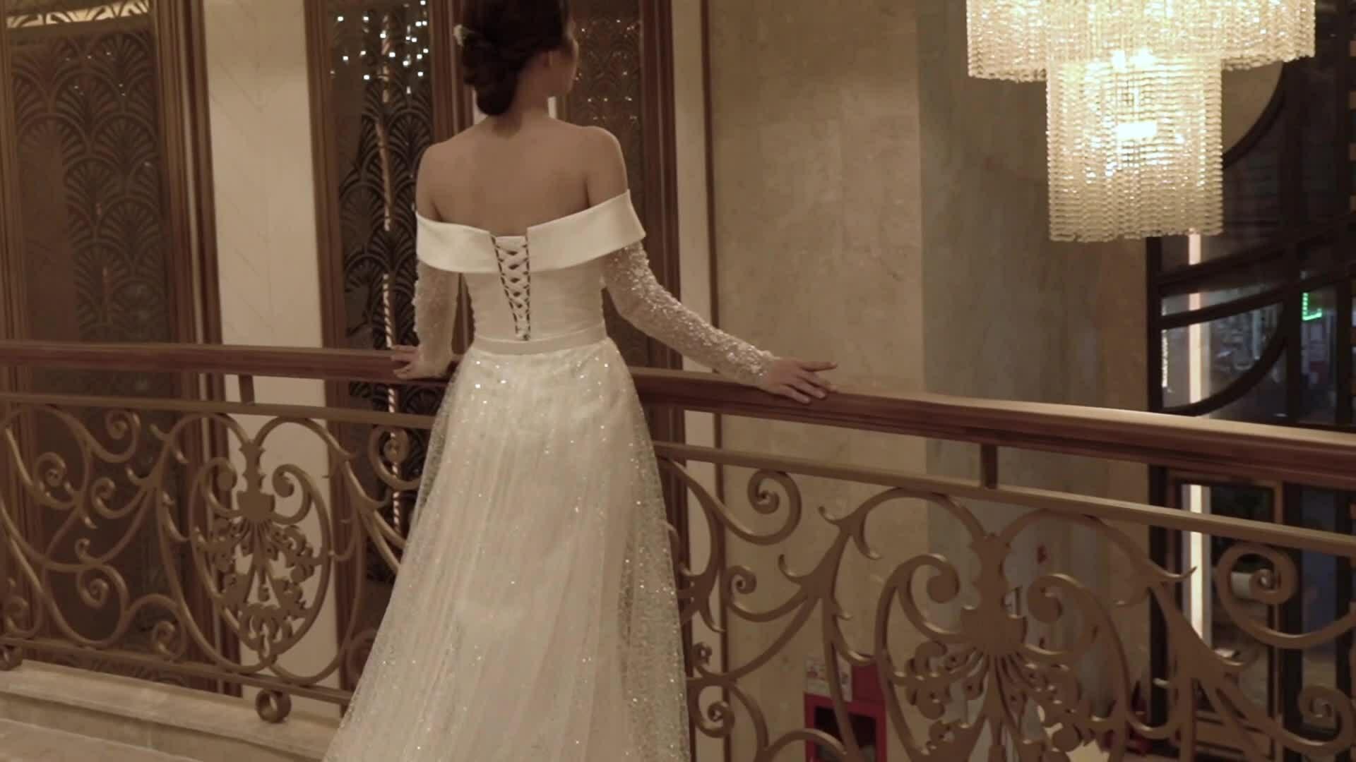 Asiana Plaza ra mắt chương trình tặng váy cưới