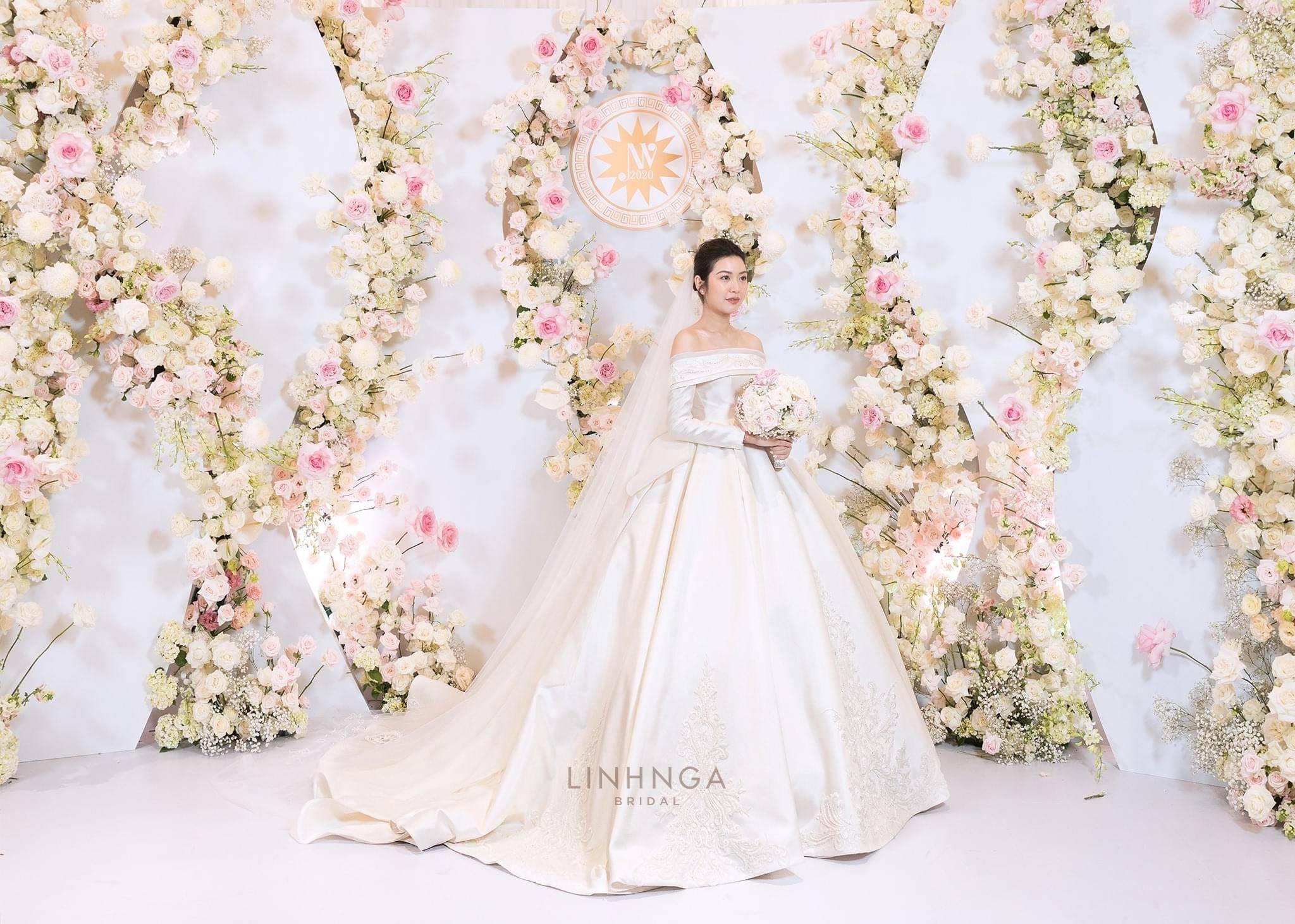 Thúy Vân diện ba váy cưới của Linh Nga Bridal