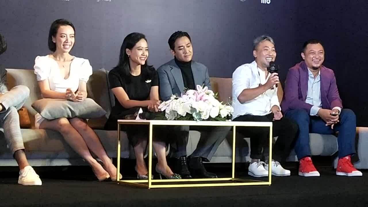 Đạo diễn Nguyễn Quang Dũng chia sẻ về hậu trường Tiệc trăng máu