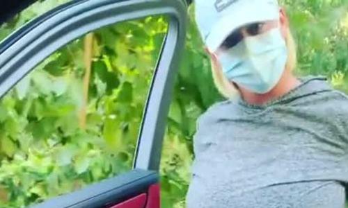 Katy Perry vác bụng bầu nhảy theo xe Orlando Bloom