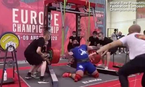 Lực sĩ gãy chân vì cố nâng tạ 400 kg