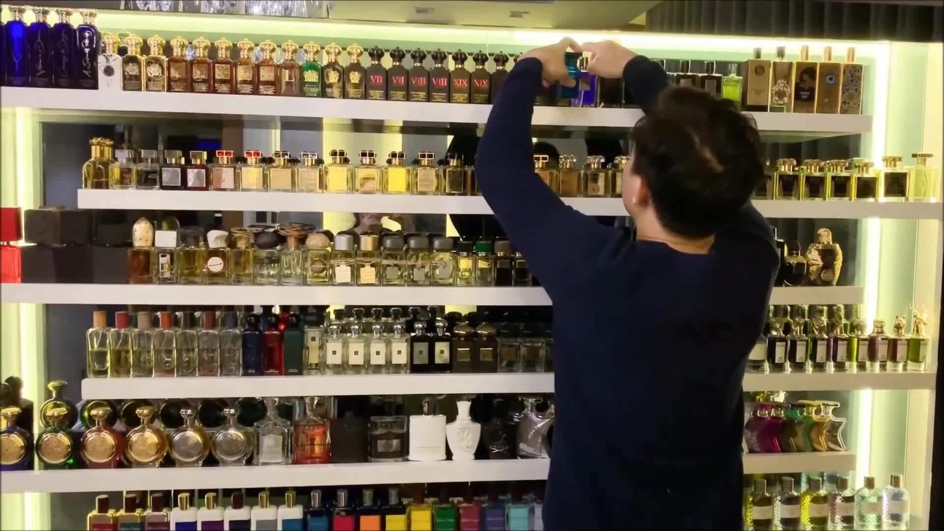 Trấn Thành có tổng cộng 214 chai nước hoa