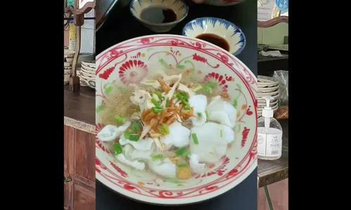 Tiệm hủ tíu mì cá được Hà Tăng, Adrian Anh Tuấn khen nức nở