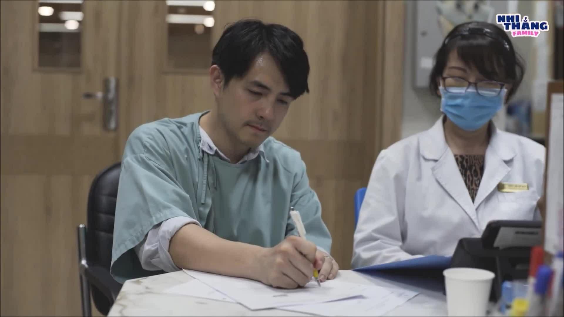 Ông Cao Thắng bật khóc khi ký giấy sinh mổ cho Đông Nhi