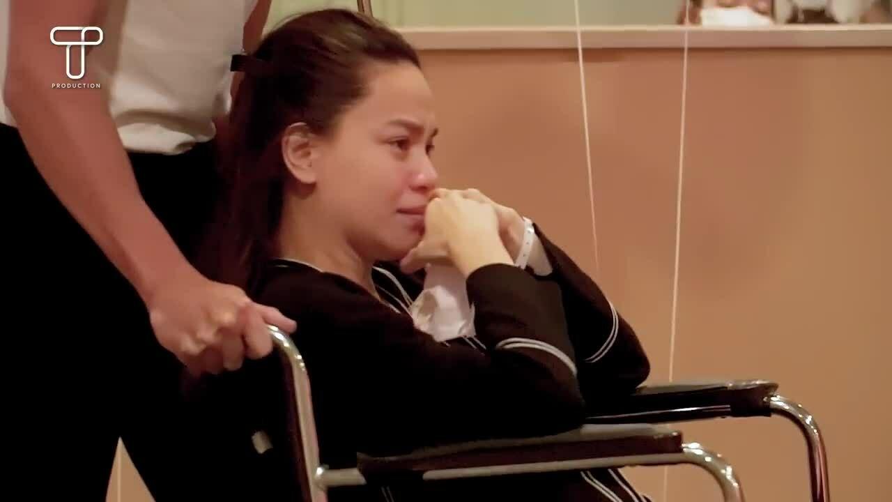Hồ Ngọc Hà khóc nức nở khi được Kim Lý cầu hôn