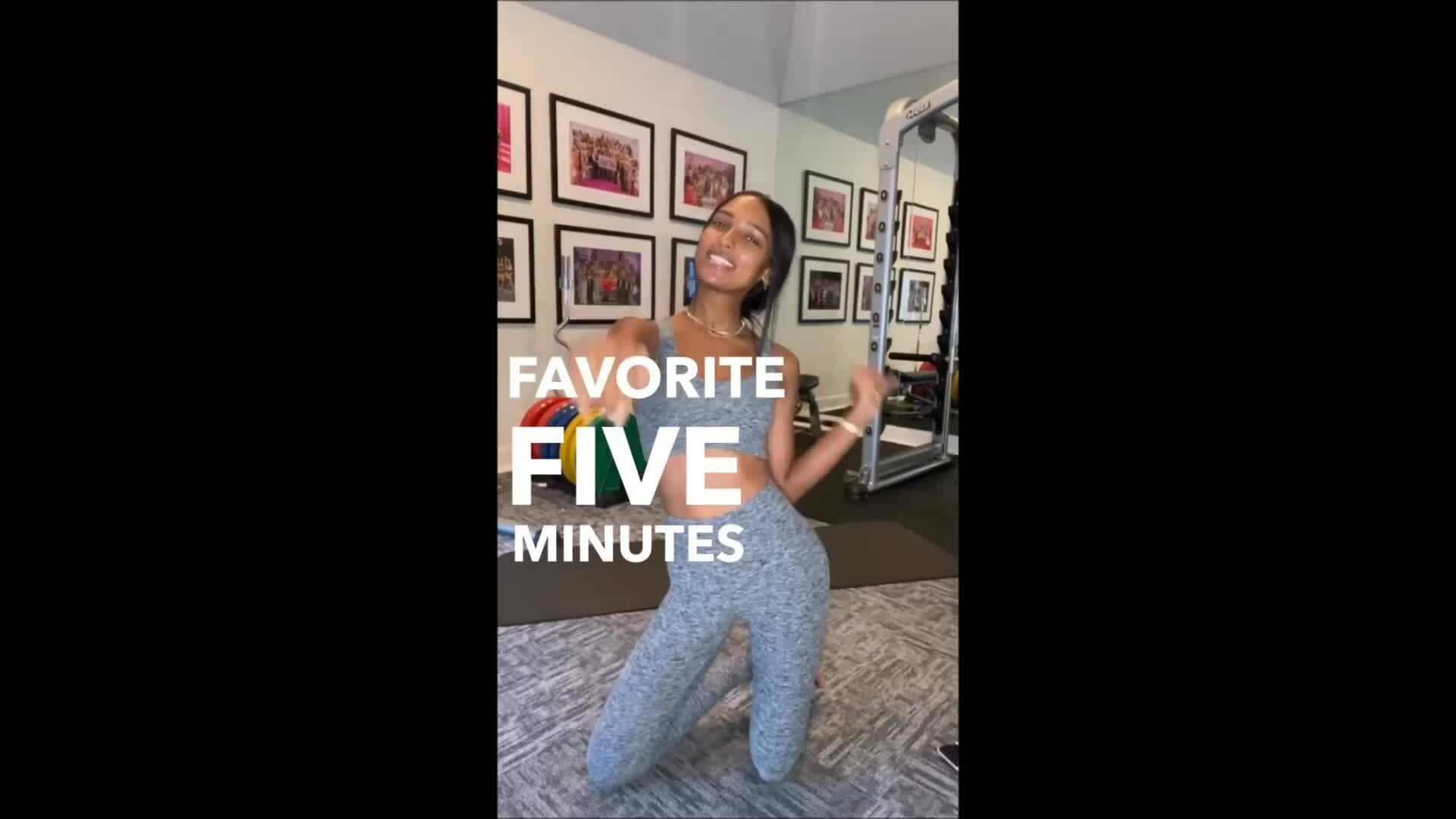 5 phút giữ eo thon của mẫu nội y Jasmine Tookes
